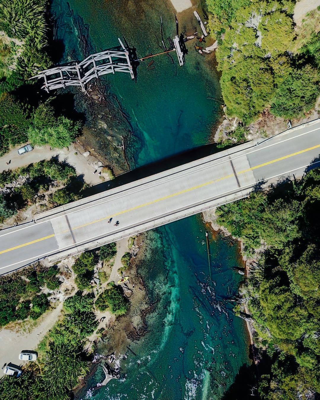 Ruta 40 y el río Correntoso